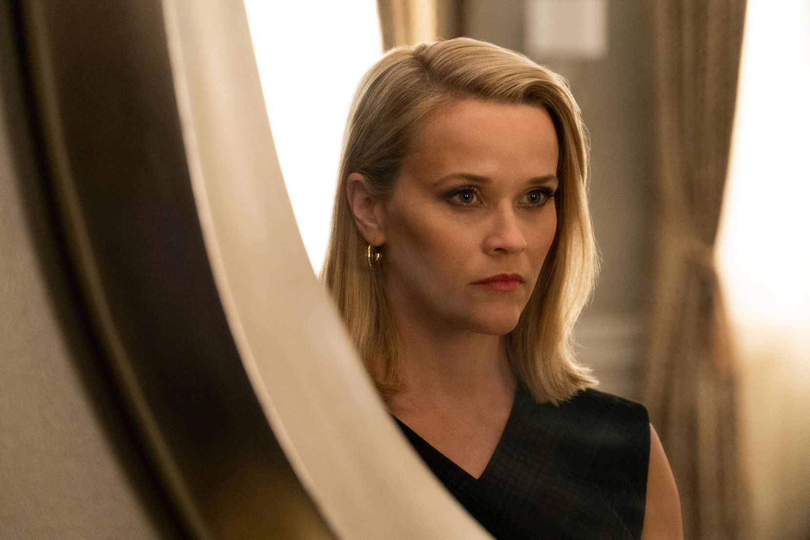 """Reese Witherspoon, in the series, """"Little Fires Everywhere."""" (Photo by: Erin Simkin/Hulu)"""