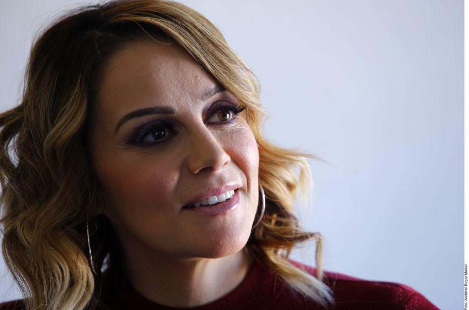 """En el nuevo disco habrá 11 temas, ocho de ellos inéditos, y, como adelanto, Rosie Rivera (foto) promueve el sencillo """"Quisieran Tener Mi Lugar"""", coescrito por Luis Antonio López """"El Mimoso"""" y Jenni en vida."""