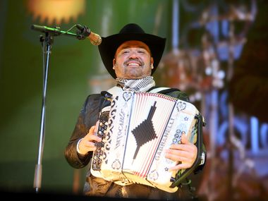 Intocable, con Ricky Muñoz, se presentarán en el Norte de Texas este verano.