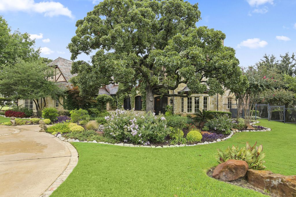 A look at the property on 2000 White Wing Cove in Westlake, Texas.