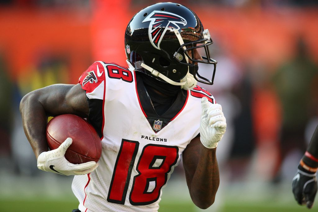 CLEVELAND, OH - NOVEMBER 11: Calvin Ridley #18 of the Atlanta Falcons runs the ball against the Cleveland Browns at FirstEnergy Stadium on November 11, 2018 in Cleveland, Ohio. The Browns won 28 to 16. (Photo by Gregory Shamus/Getty Images)