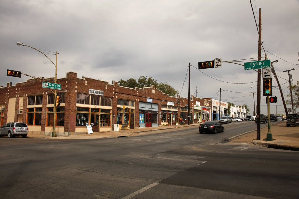 The intersection of Davis and Tyler streets in north Oak Cliff, photographed in September 2011. (Evans Caglage/Staff Photographer)