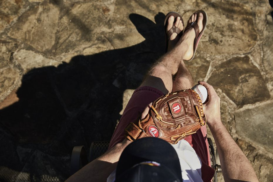 Texas Rangers pitcher Cole Hamels (photographed above) is the face of the Hari Mari x Nokona line. The flip-flops are made from the same American steerhide as the Nokona ball gloves.