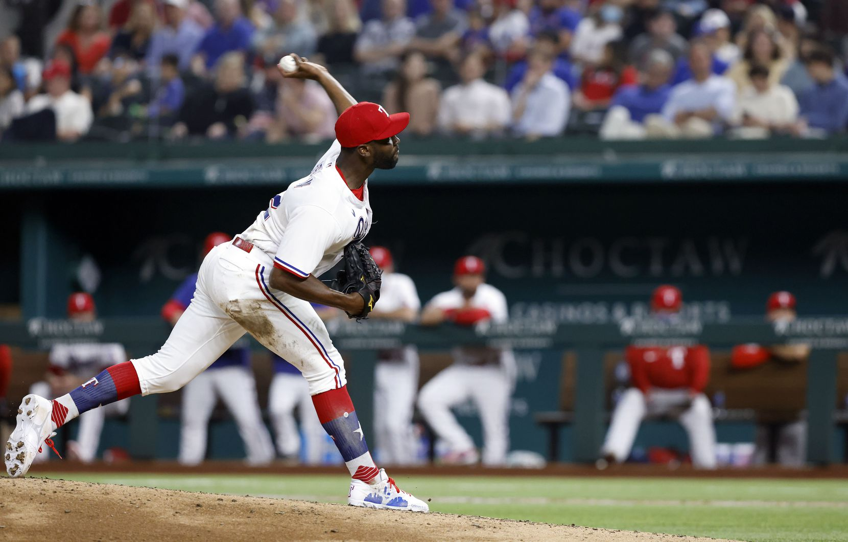 Texas Rangers starting pitcher Taylor Hearn (52) throws against the Toronto Blue Jays during seventh inning at Globe Life Field in Arlington, Tuesday, April 7, 2021. (Tom Fox/The Dallas Morning News)