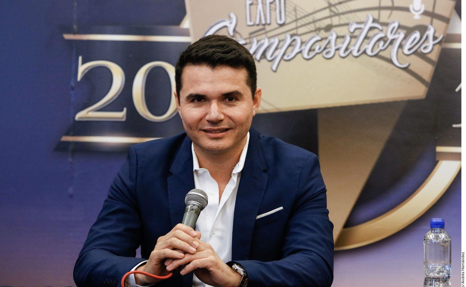 Al ser compositor, Horacio Palencia (foto) ha visto crecer muchas de sus canciones en voces de otros grupos, como 'A Través del Vaso', de Grupo Arranke; o 'Mi Razón de Ser', de la Banda MS.
