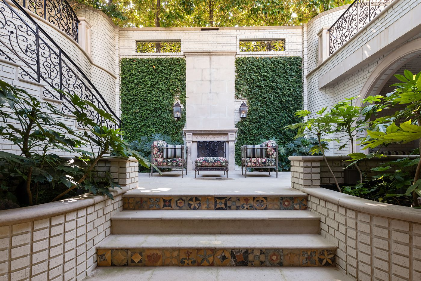 Take a look at the courtyard at 3601 Beverly Drive in Dallas, TX.