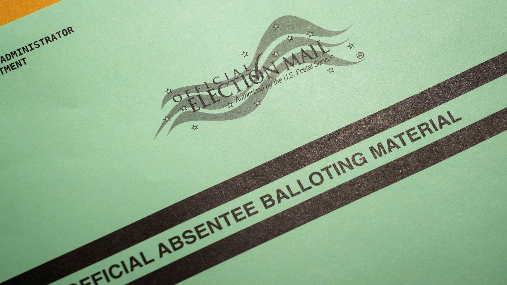 El voto por correo en Texas ha sido fuente de controversia. Muchos votantes han entregado su voto y les ha sido devueto por el correo, otros recibieron el voto ausente pese a que no lo solicitaron.