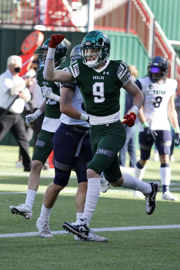 Prosper tight end Cameron Harpole (9) celebrates his touchdown reception against Northwest Eaton during the Class 6A Division II Region I semifinal high school football playoff game on Dec. 26, 2020. (Michael Ainsworth/Special Contributor)