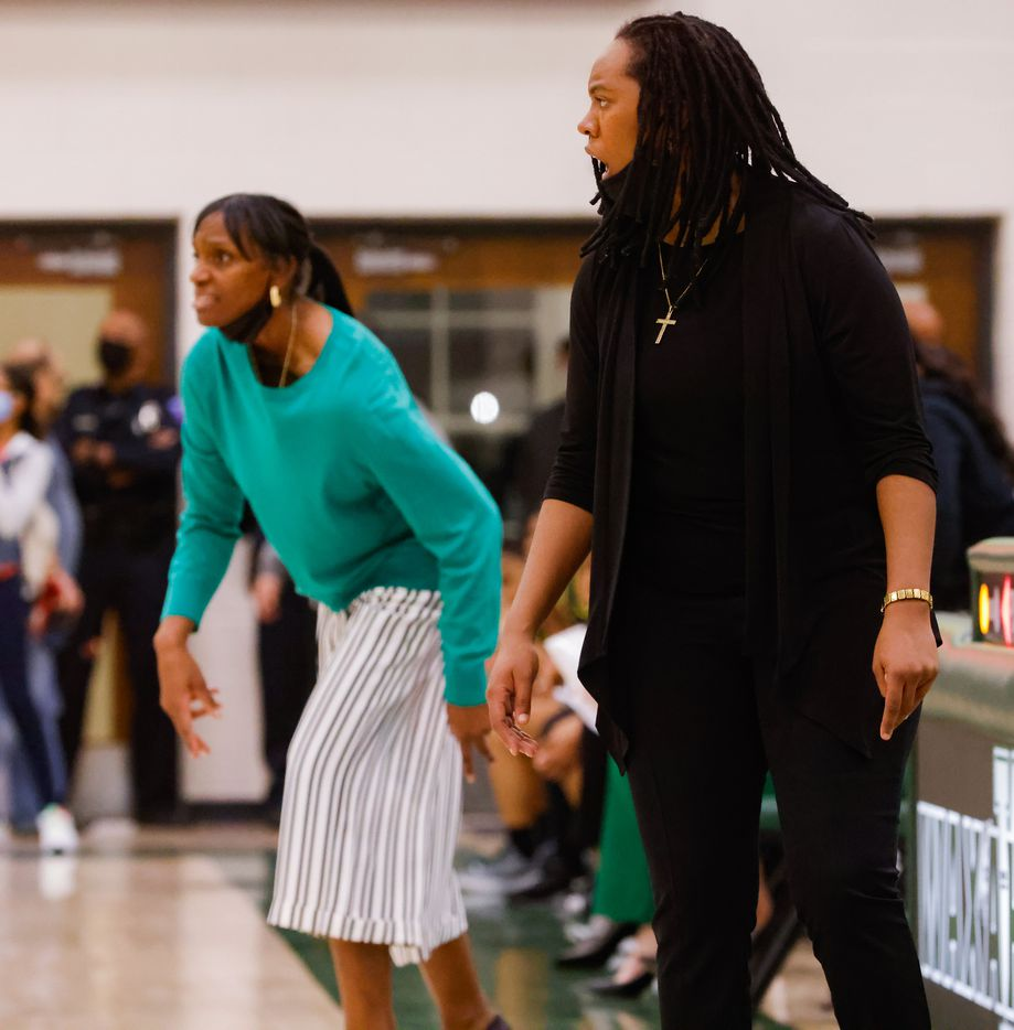 Duncanville's coach LaJeanna Howard‏ (right) and DeSoto's coach Andrea Robinson during the second half of a girls basketball Class 6A Region II UIL game in Waxahachie on Tuesday, March 2, 2021. DeSoto won the game 52-39. (Juan Figueroa/ The Dallas Morning News)