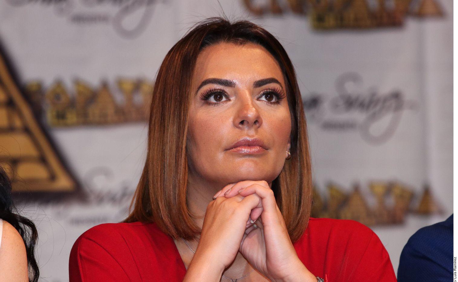 La conductora Cecilia Galliano apareció en un video en el que junto a su maquillista, hacen mofa de los tabasqueños, después de asistir al Carnaval del municipio de Comalcalco, donde desfiló a bordo de un carro alegórico.