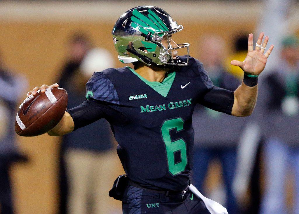 North Texas Mean Green quarterback Mason Fine (6) throws a second quarter pass during the first half against the Florida Atlantic Owls at Apogee Stadium in Denton, Texas, Thursday, November 15, 2018. (Tom Fox/The Dallas Morning News)
