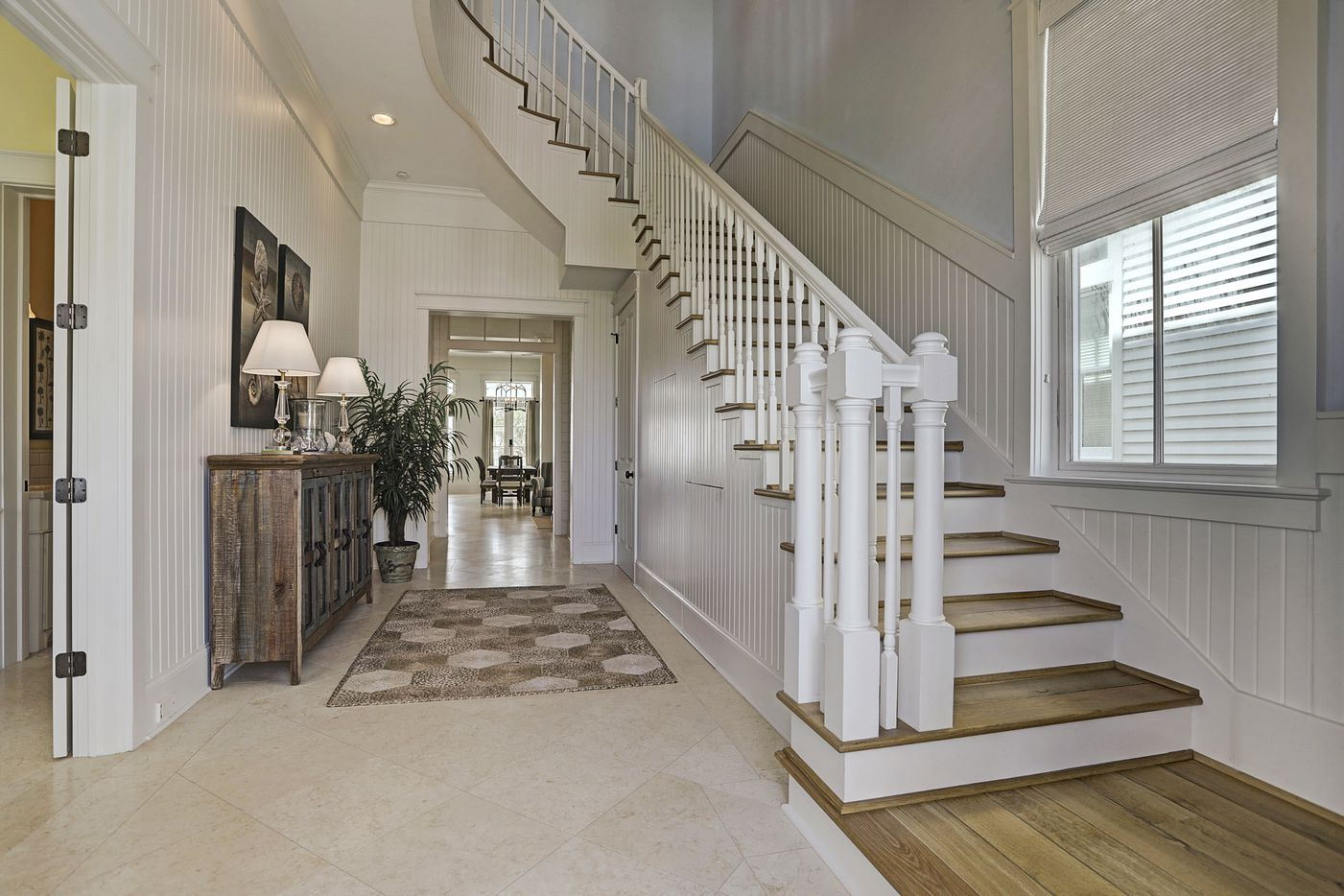 A look at 2633 East Seaside Drive in Galveston, Texas.