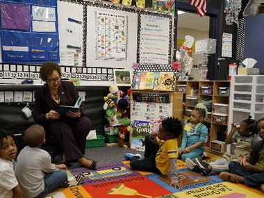 Mayor Curtistene McCowan reads to DeSoto ISD students in this file photo.