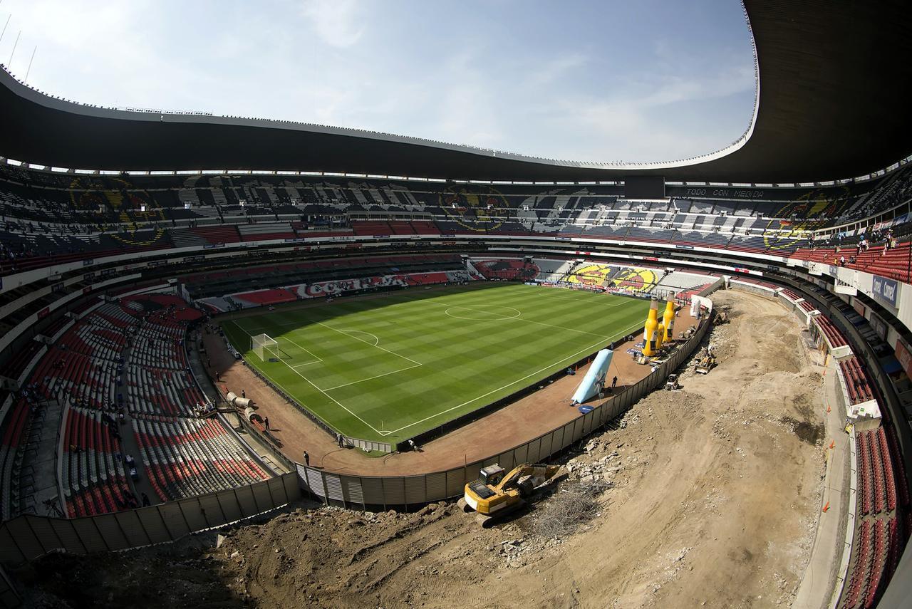 Obras de remodelación del Estadio Azteca, que reducirá su capacidad de 102,000 a 87,000 espectadores.(AGENCIA REFORMA)
