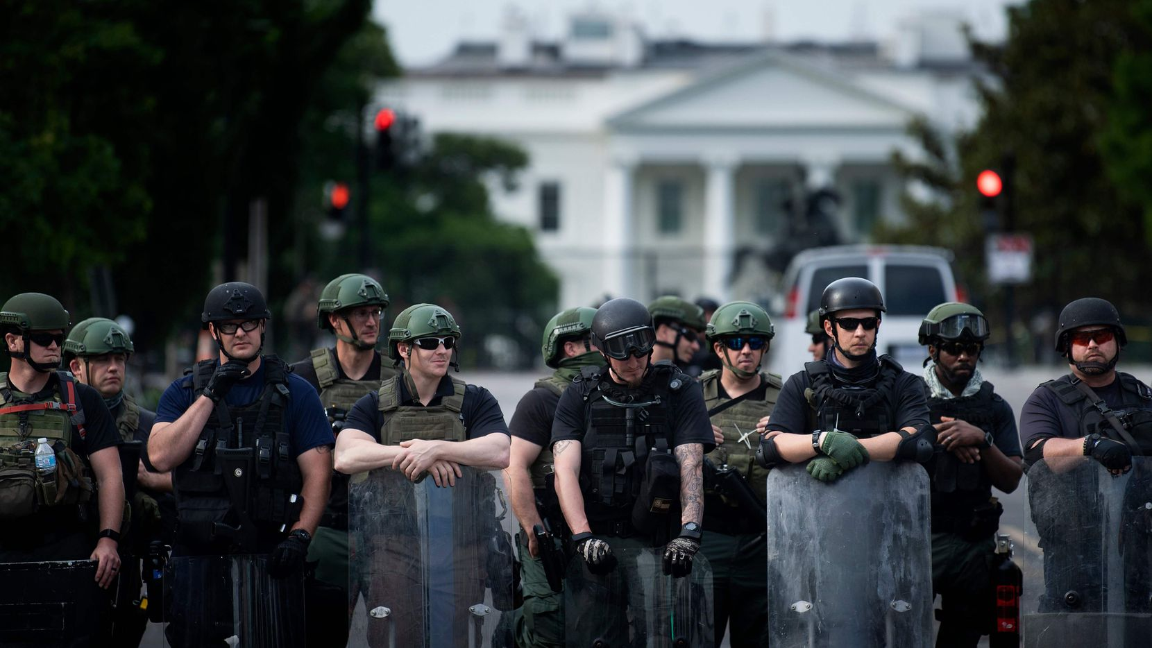 Riot forces at White House include tactical teams wearing insignia ...