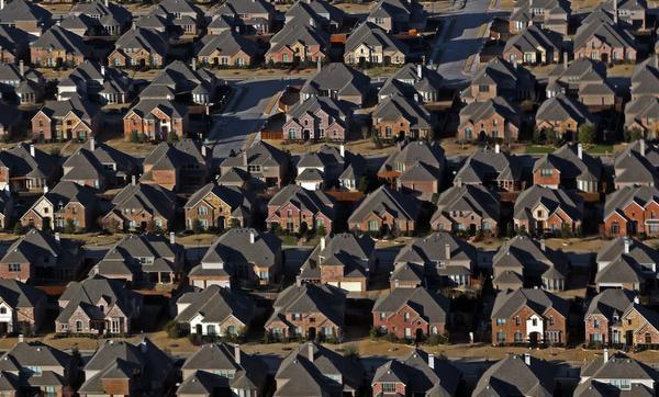 Una vista de residencias en Frisco, una de las ciudades con mayor crecimiento en Estados Unidos.