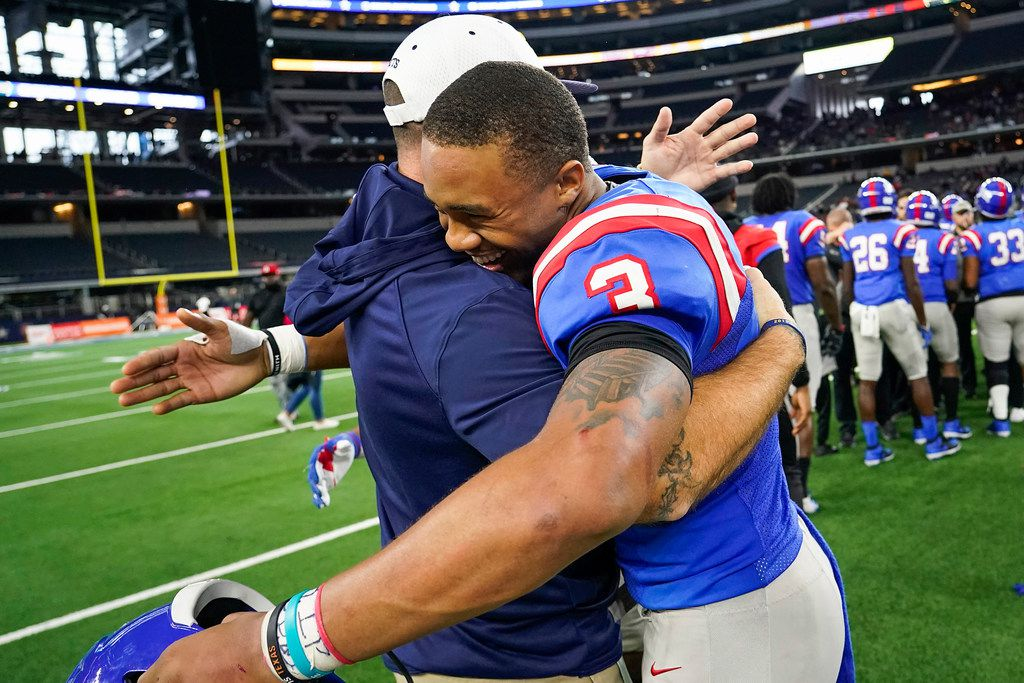 Duncanville quarterback JaÕQuinden Jackson (3)  celebrates after the PanthersÕ victory over Arlington Martin in a Class 6A Division I Region I semifinal playoff football game at AT&T Stadium non Friday, Nov. 29, 2019, in Arlington. (Smiley N. Pool/The Dallas Morning News)