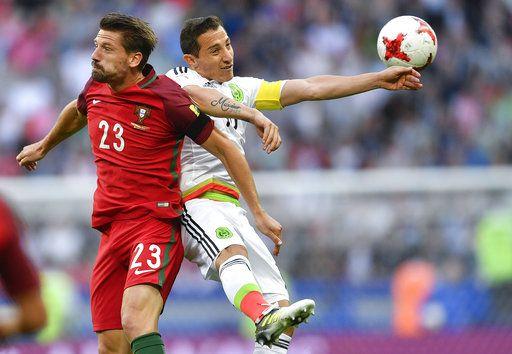 Andrés Guardado y el Tri igualaron ante Portugal el domingo en Rusia por la Copa Confederaciones. Foto AP