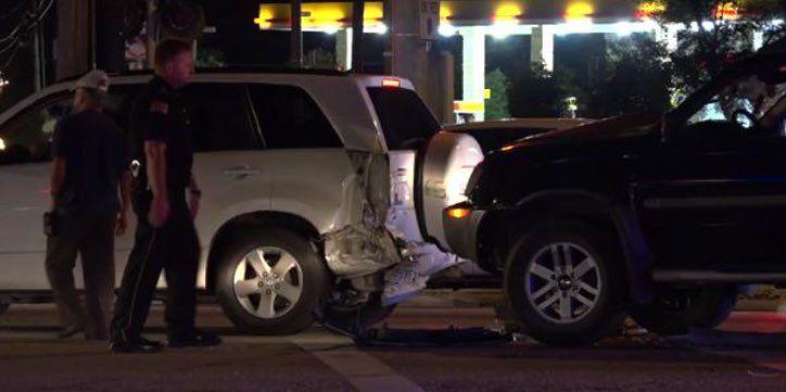 Persecución policial termina en accidente en Garland.