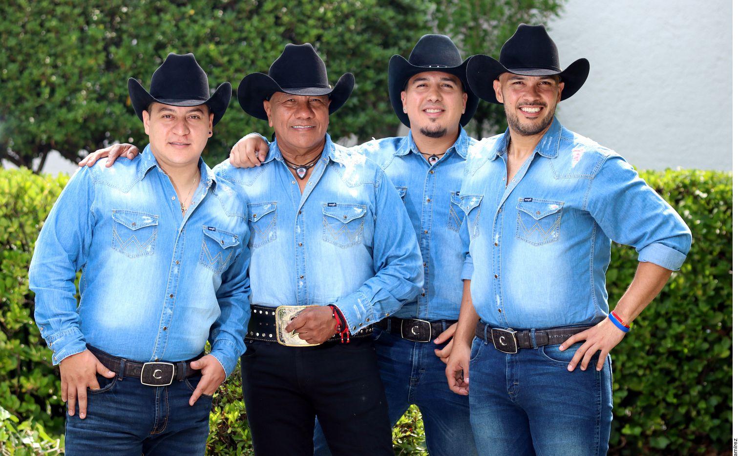 """La banda que comanda Lupe Esparza lanzará esta semana el nuevo álbum, """"Por Más"""". (AGENCIA REFORMA)"""