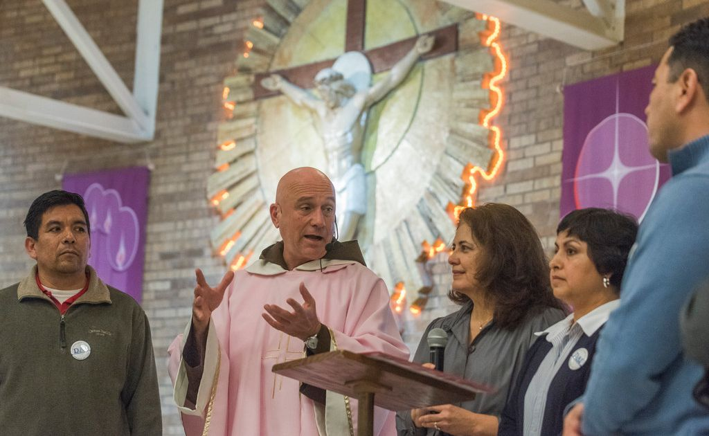 Church groups join immigrants in a big push for citizenship