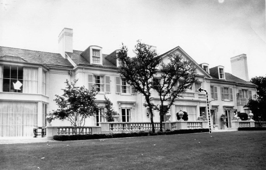 "A 1963 photo of the Dallas mansion of James J. ""Jim"" Ling at 10300 Gaywood. The dotted line shows the balcony where the infamous jewel thief known as the King of Diamonds entered the house. The arrow shows the master bedroom where he stole $10,000 worth of gems."