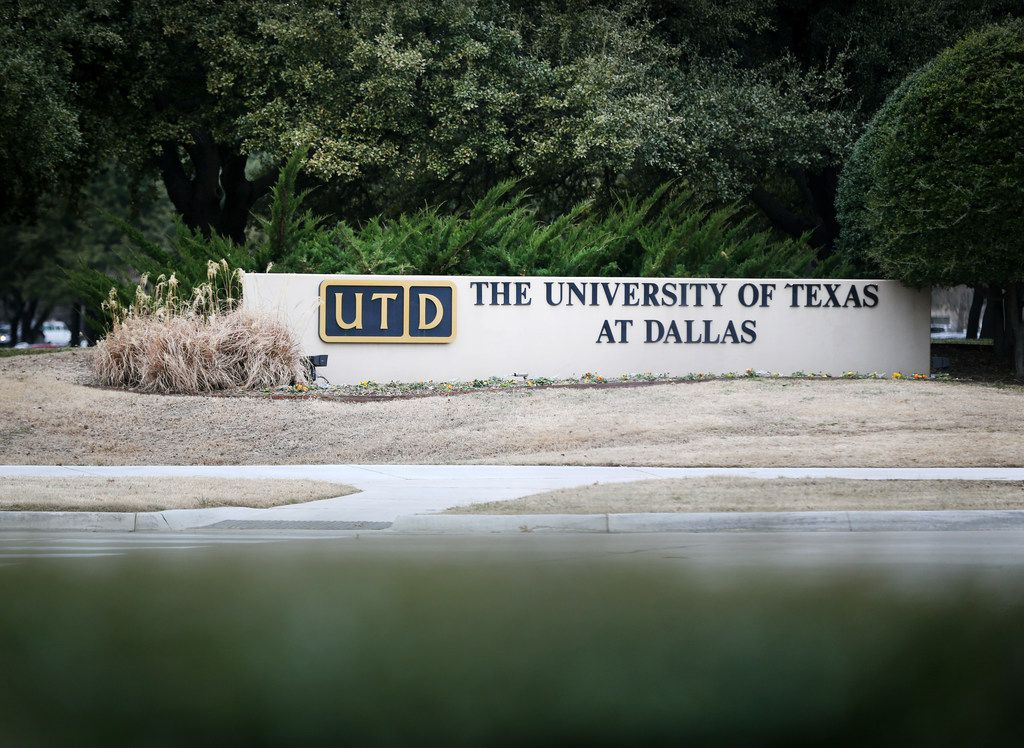"""A key group of faculty at the University of Texas at Dallas believes the university president should not fire professors accused of inappropriately awarding credit to students who did not take UTD courses. While the faculty group determined the credit transfer practice was """"improper,"""" it stated the professors thought the arrangement was properly approved."""