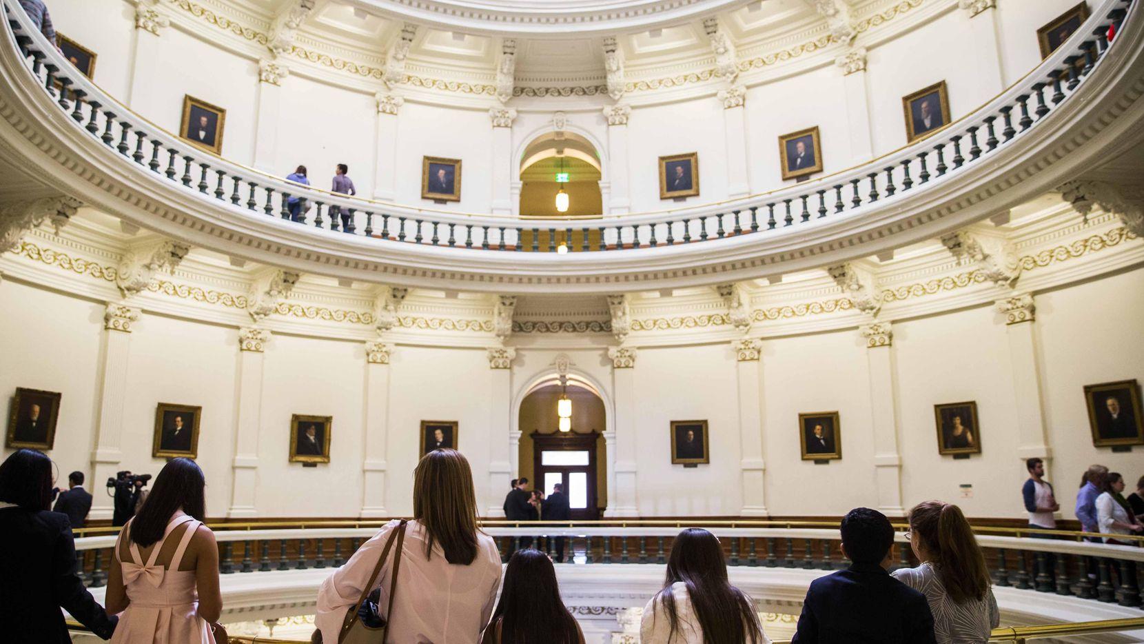 La ley SB4 fue aprobada por un comité y ahora será discutida por el pleno de la Legislatura. (DMN/ASHLEY LANDIS)