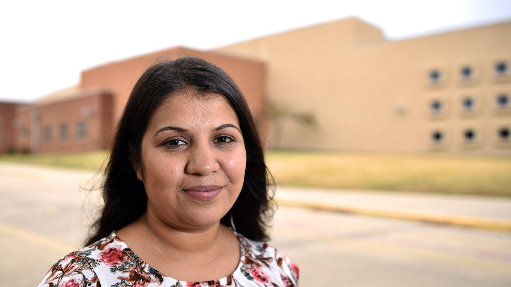 Irazema Rodríguez, de 23 años, es maestra de segundo grado. (ESPECIAL PARA AL DÍA/BEN TORRES)