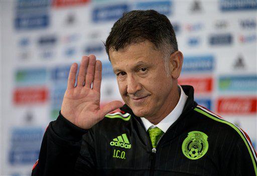 El nuevo técnico de la selección de México, Juan Carlos Osorio, durante su presentación el miércoles/ AP