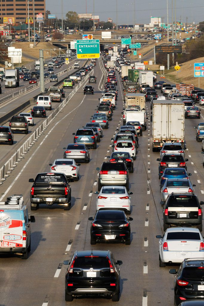 Vehicles traveling east and west on Interstate 635 near  Skillman Street, one of many areas where LBJ Freeway has no continuous frontage roads. A single HOV/tolled express lane in each direction backs up daily with the other traffic through Lake Highlands. (David Woo/The Dallas Morning News)