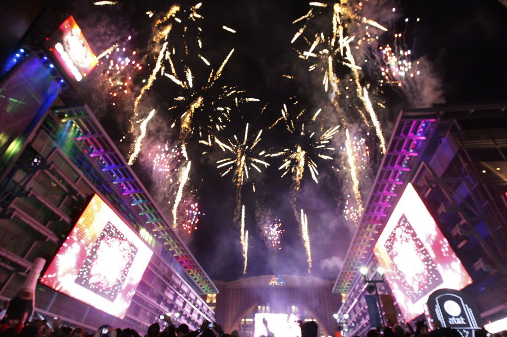 Fireworks lit up the sky in Dallas as revelers at Big D NYE ushered in 2010.