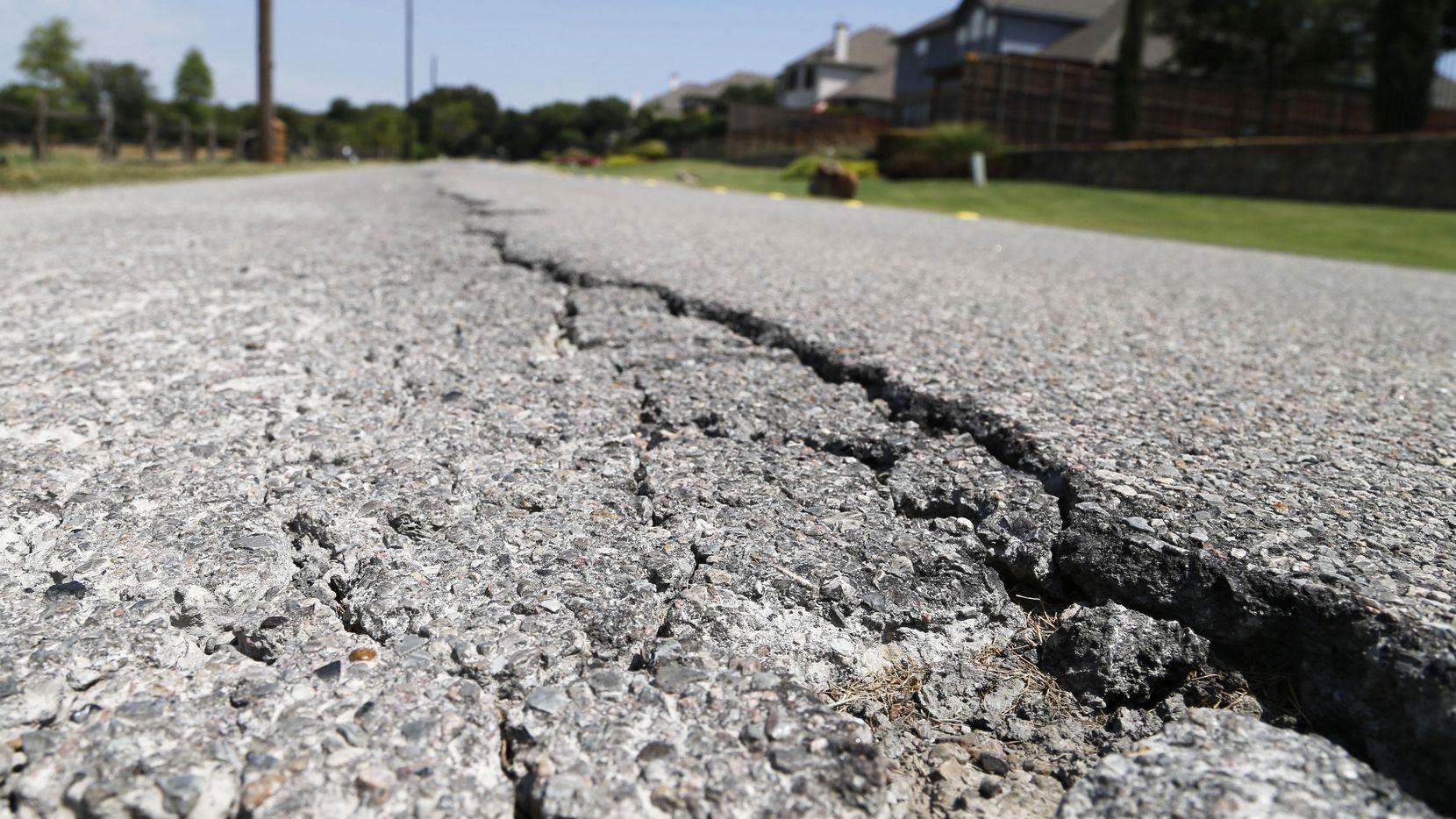 La ciudad necesita la aprobació de los votantes para un paquete de bonos de deuda que permitirán el financiamiento de reparaciones de calles y señalización de tránsito. (DMN/ARCHIVO)