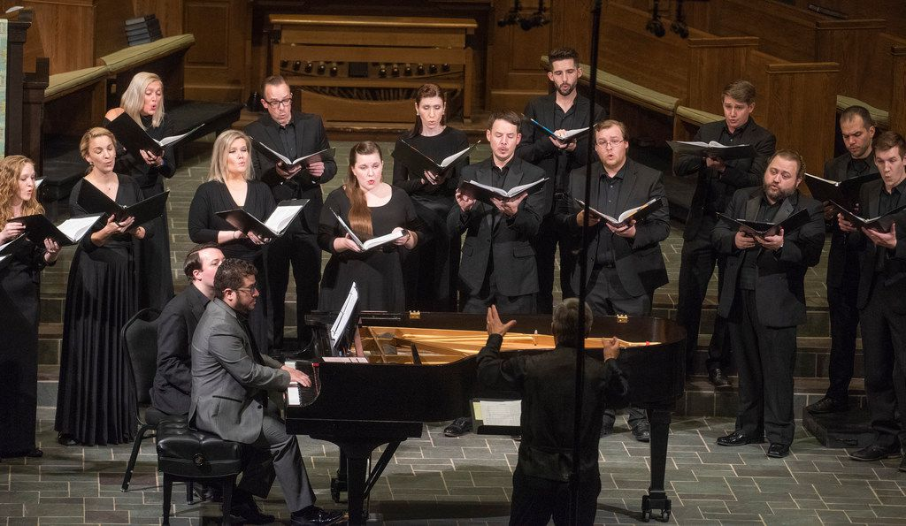 With Eduardo Rojas on piano and Donald Krehbiel conducting, the Orpheus Chamber Singers performed The Passing of the Year at University Park United Methodist Church on Saturday.