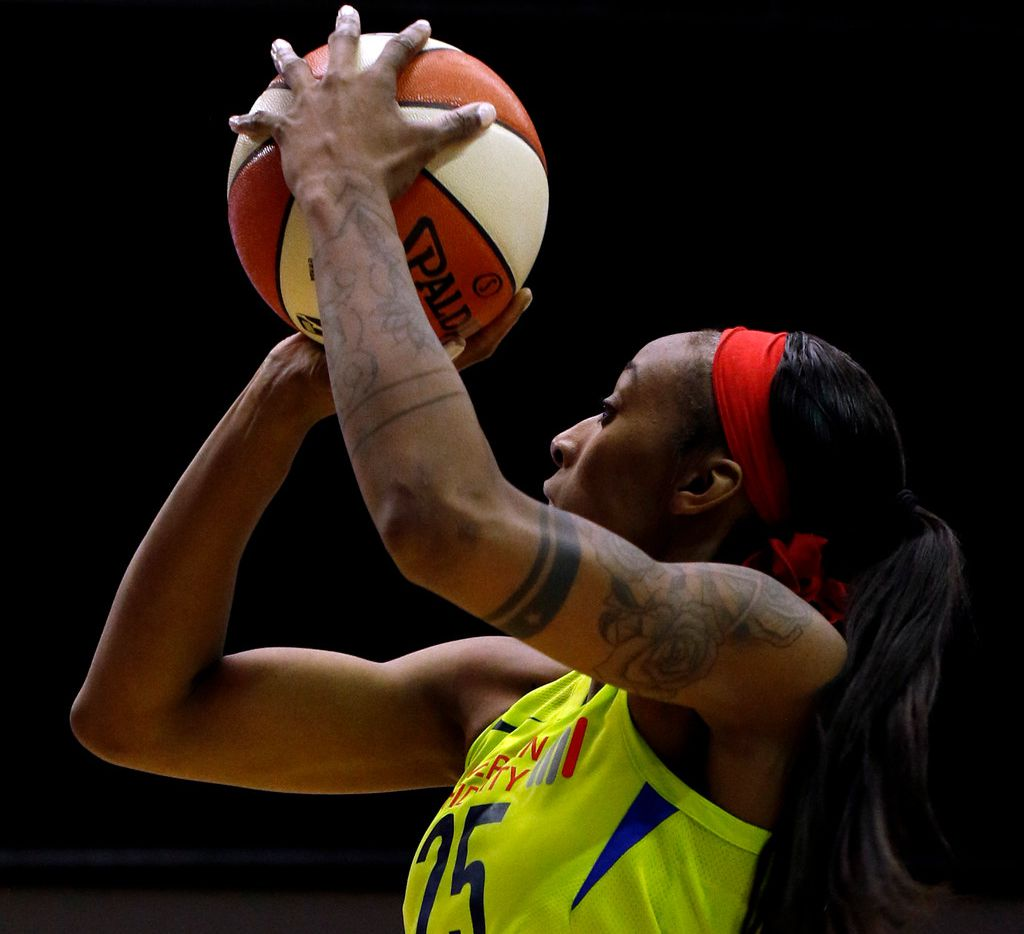 Dallas Wings forward Glory Johnson (25) puts up a jump shot during second half action against the Las Vegas Aces. The Wings won, 77-67. The two teams played their WNBA game at UT-Arlington's College Park Center in Arlington on June 15, 2018. (Steve Hamm/ Special Contributor)