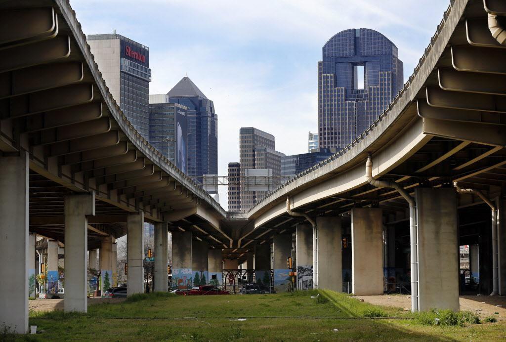 La pobreza entre latinos de Dallas supera al promedio nacional, pese a que ha disminuido. (DMN/TOM FOX)