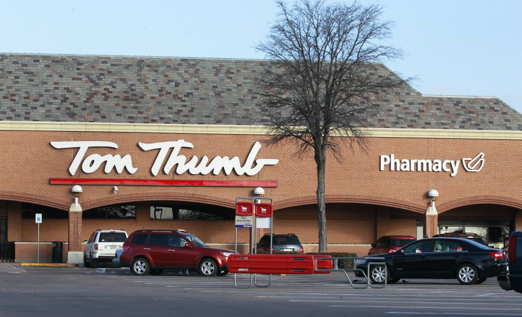 Tom Thumb at the intersection of Mockingbird Lane and Abrams in Dallas. Albertsons purchased Tom Thumb amd Randalls', parent company Safeway in January 2015. (David Woo/The Dallas Morning News)