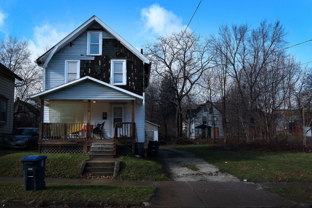 A property in Akron, Ohio, owned by Harbour Portfolio Advisors, one of largest sellers of foreclosed firms in the nation, Dec. 18, 2015.