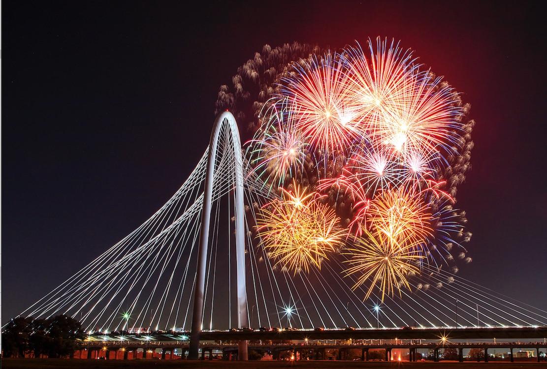 Fuegos Artificiales en el centro de Dallas para celebrar el 4 de julio. Foto DMN