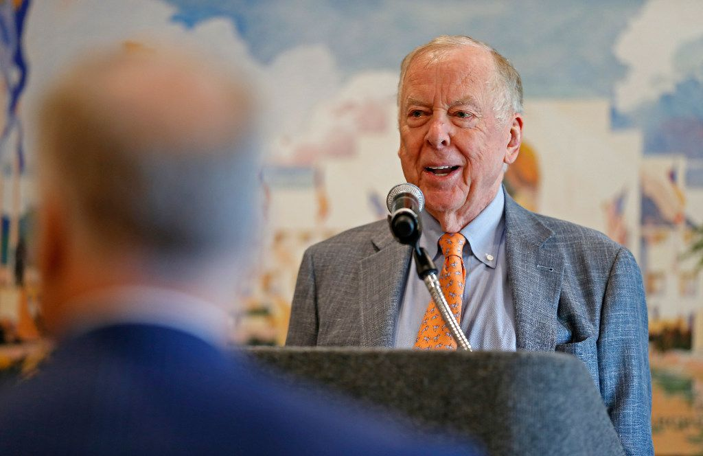 T. Boone Pickens speaks during a dedication ceremony at T. Boone Pickens Hospice and Palliative Care Center in Dallas, Tuesday, April 18, 2017. (Jae S. Lee/The Dallas Morning News)