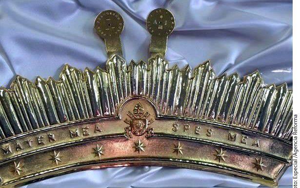 Ésta es la corona que puso Francisco a la Virgen de Guadalupe después de la misa/AGENCIA REFORMA