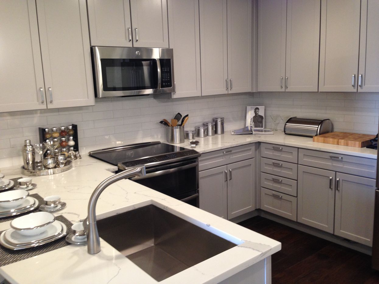 Model kitchen in the One Uptown apartments on McKinney Avenue. (Steve Brown/Staff)