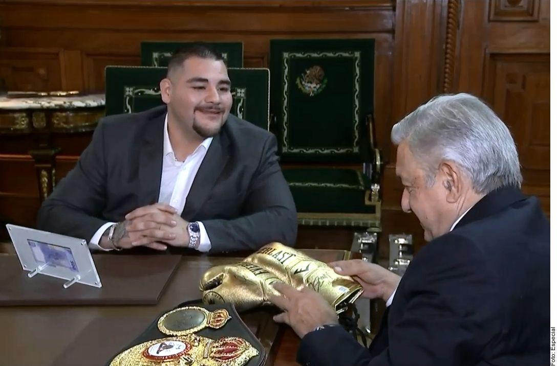 El Presidente se reunió con el campeón mexicano./ AGENCIA REFORMA