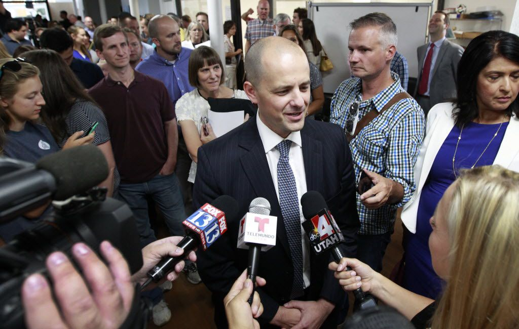 Former CIA agent Evan McMullin says he offers a conservative alternative for voters dissatisfied with Donald Trump and Hillary Clinton.