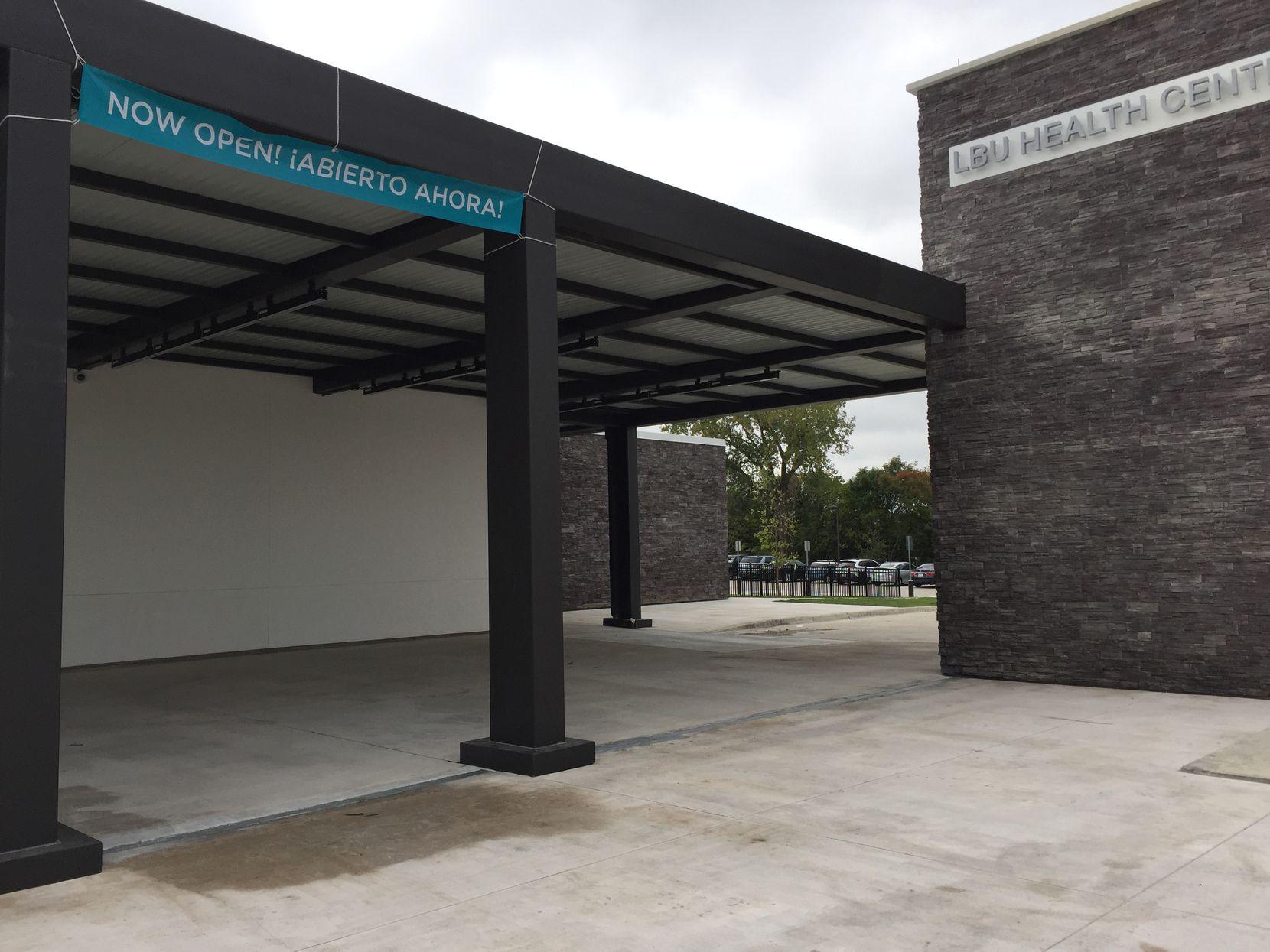 En las instalaciones de 21,400 pies cuadrados se ofrecen servicios a niños y adultos.