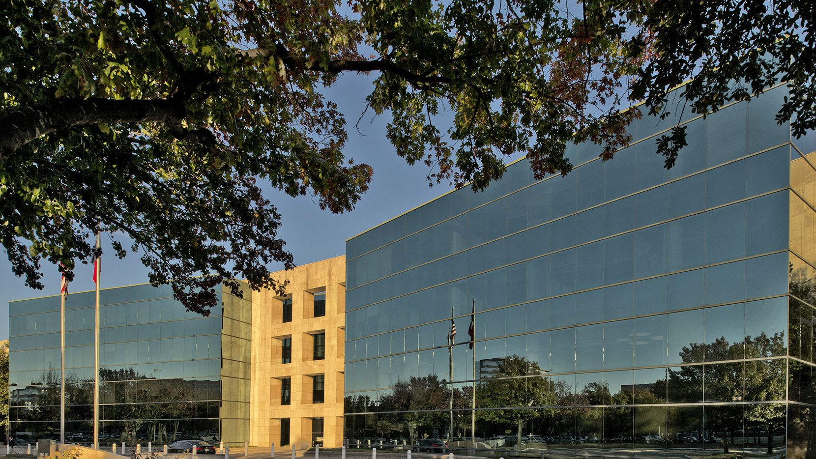 The former Verizon campus in Richardson has signed new legal and tech firm tenants.