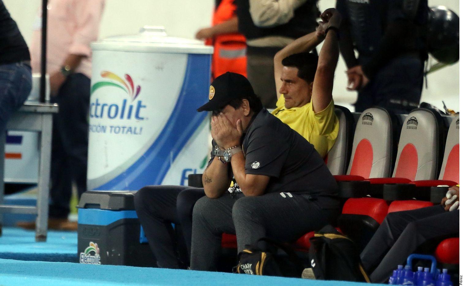 Diego Maradona fue técnico de Dorados de Sinaloa por dos torneos. Foto Agencia Reforma