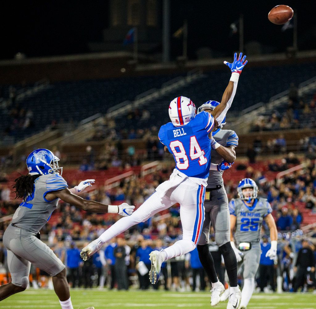 SMU Mustangs wide receiver Judah Bell (84) reaches for a high pass in the end zone during the first quarter of a college football game between SMU and Memphis on Friday, November 16, 2018 at Ford Stadium in Dallas. (Ashley Landis/The Dallas Morning News)