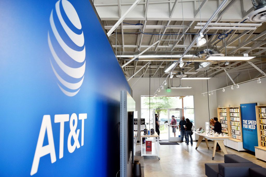 An AT&T pop-up shop with easy-to-move displays in Dallas, Aug. 14, 2018. Ben Torres/Special Contributor