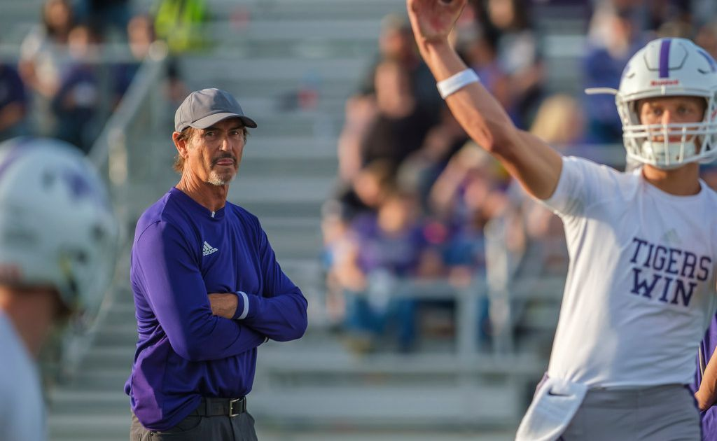 Two Mount Vernon players, coached by former Baylor coach Art Briles, ruled eligible to play at DEC hearing